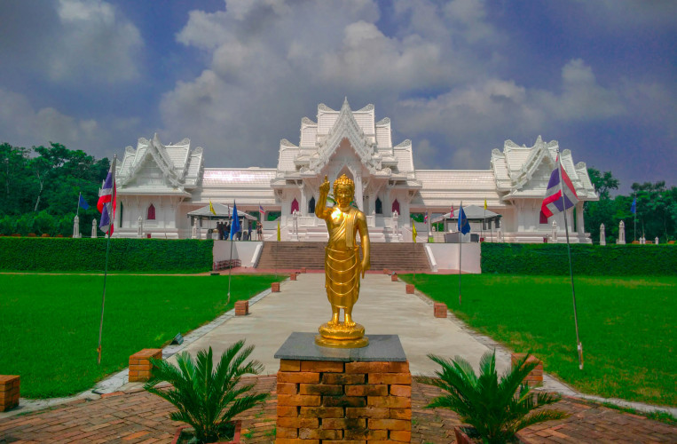 Sightseeing in Lumbini